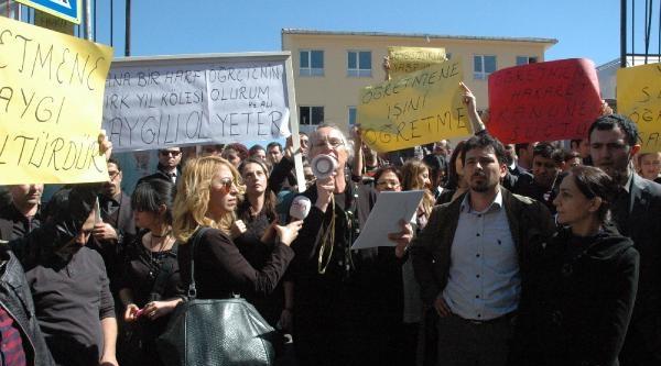 Öğretmenler 'şiddete Hayır' Eylemi Yaptı