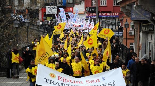 Öğretmenlerden Hükümete Protesto Yürüyüşü