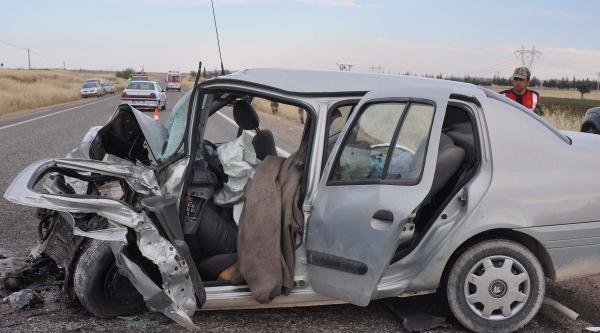 Öğretmenleri Taşıyan Otomobil Kaza Yaptı: 1 Ölü, 12 Yaralı