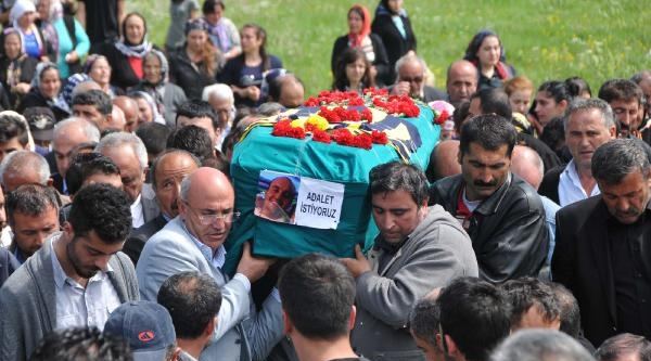 Okmeydanı'nda Öldürülen Uğur Kurt Sivas'ta Toprağa Verildi - Ek Fotoğraf