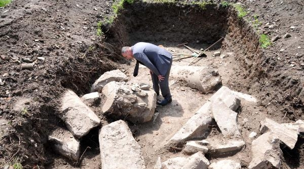 Okul Arazisinde Tarihi Tapınak Kalıntıları Çikti