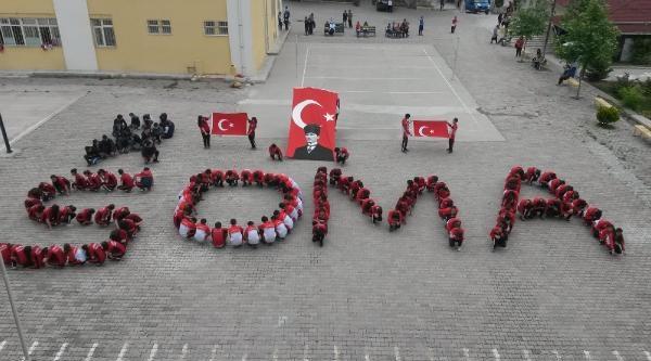Okul Bahçesine 150 Öğrenci İle 'soma' Yazdılar