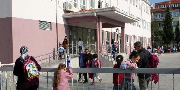 Okul Çevresinde Bekleyene Para Cezasi