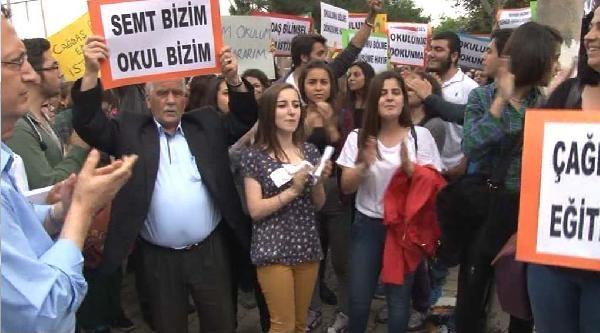 Okul Önünde İmam Hatip Protestosu
