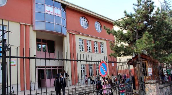 Okula Hırsız Girdi, Öğrenciler Derse Giremedi