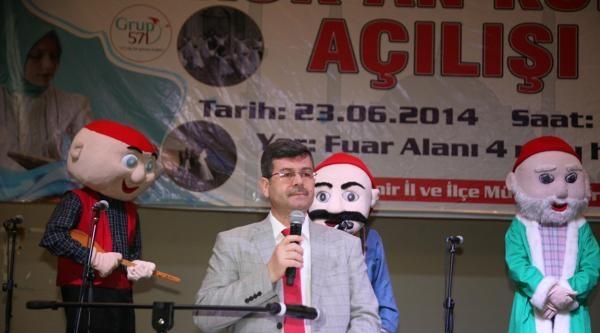 Okullar Kapandı, Kuran Kursları Açıldı