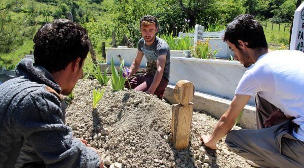 Ölüm Ocağında Babasını Kaybeden Madenci: Eğitimler Kağıt Üzerinde