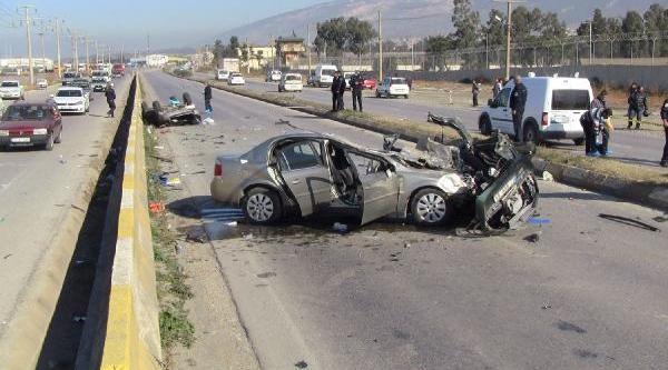 Ölüm Virajinda Yaralanan Sürücü Hayatini Kaybetti