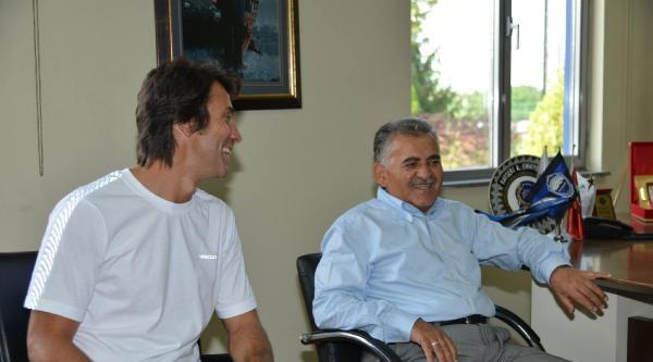 Onursal Başkan Büyükkılıç'dan Erciyesspor'a Moral Ziyareti