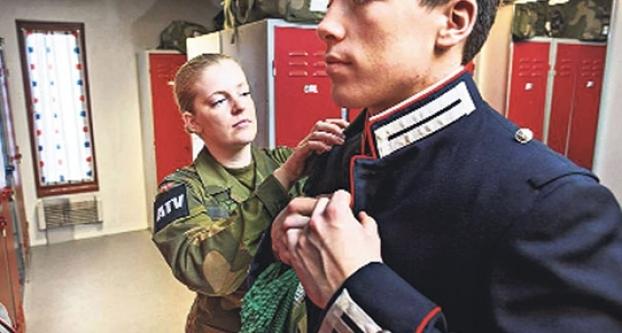 Orduda unisex koğuş!