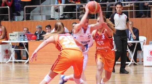 Orduspor - Galatasaray Odeabank:  67-79