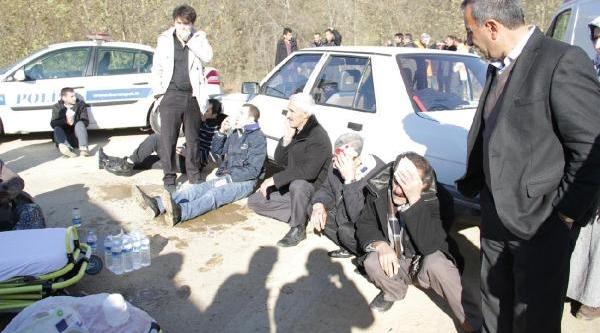 Orhangazi'De Midibüsle Kamyon Çarpişti: 4'Ü Ağir 21 Yarali