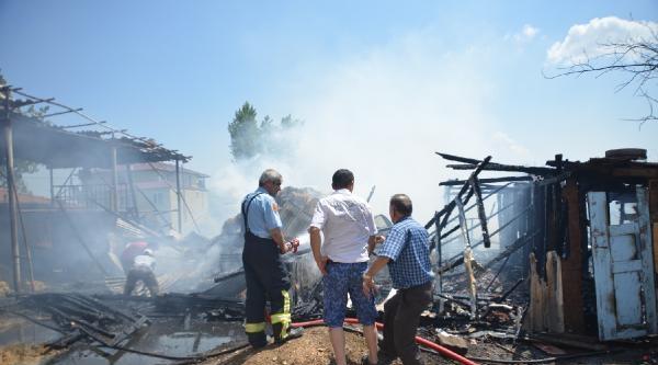 Orhangazi'de Yangın: 15 Koyun Telef Oldu