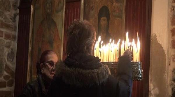 Ortaköy'de Haç Çikarma Töreni