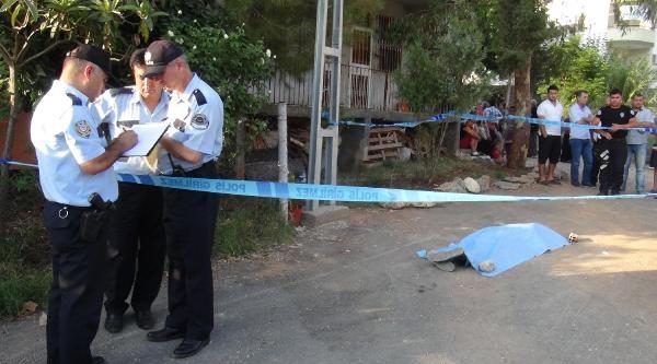 Oruç Tutan Yüksek Tansiyon Hastası Yolda Düşüp Hayatını Kaybetti