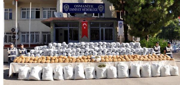 Osmaniye'de 1 Ton 625 Kilo Esrar Ele Geçirildi
