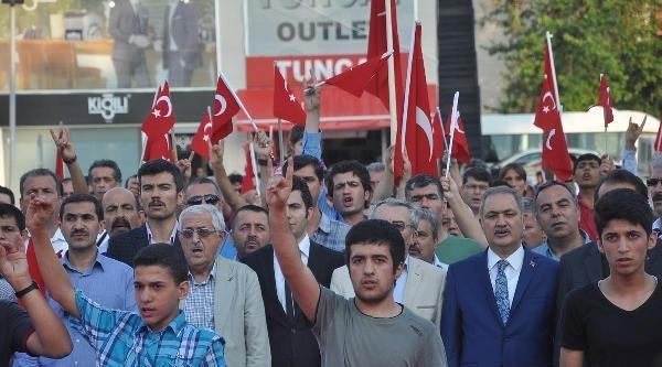 Osmaniye'de 'bayrağa Saygı Yürüyüşü'