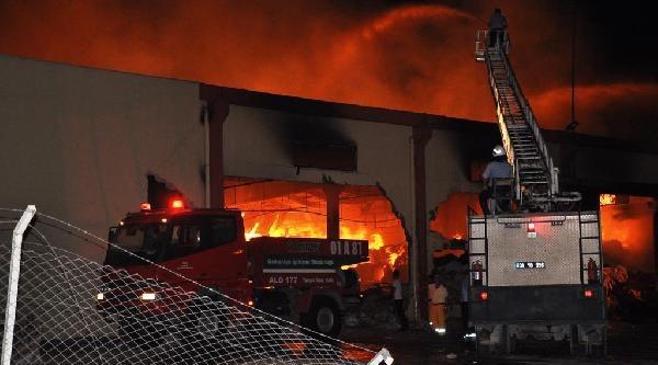 Osmaniye'de Korkutan Fabrika Yangını