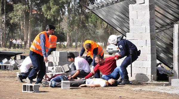 Osmaniye'deki Deprem Tatbikatı Gerçeğini Aratmadı