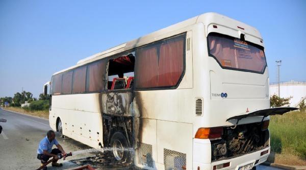 Otel Personelini Taşıyan Otobüste Seyir Halindeyken Yangın Çikti