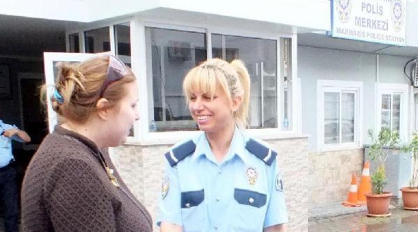 Otelde Olay Çikaran Rus Kadın Turist Sınırdışı Edildi
