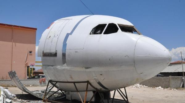Oto Sanayide Uçak Montajı Yaptılar