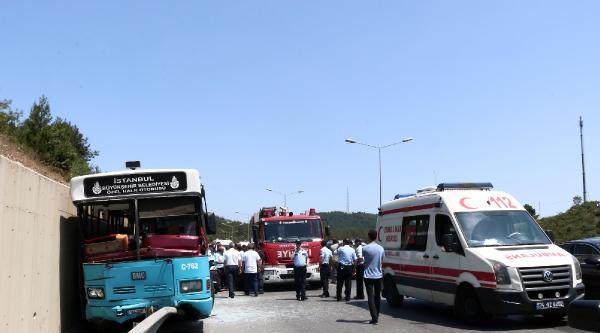 Otobüs Kazasında Yolcular Camları Kırarak Dışarı Çikti