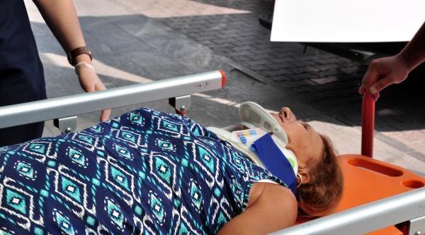 Otobüste Sert  Frenle Yere Düşen Avukatın Boynu Kırıldı