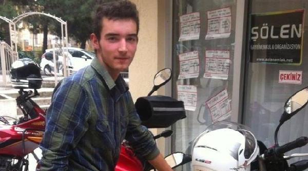 Otobüsün Çarptiği Genç, Hastanede Öldü