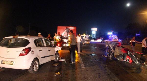 Otomobil, 3 Lastikli Motosiklete Çarpti; Baba Öldü, Oğlu Ağır Yaralı