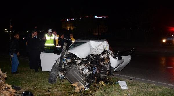 Otomobil Ağaca Çarpti: 1 Ölü, 1 Yarali