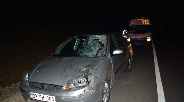 Otomobil Ata Çarpti: 4 Yaralı