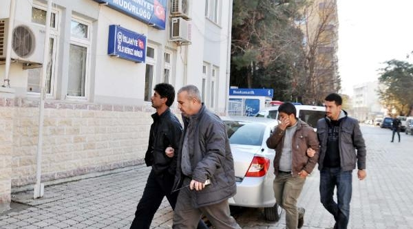 Otomobil Çalan 2 Suriyeli Yakalandi