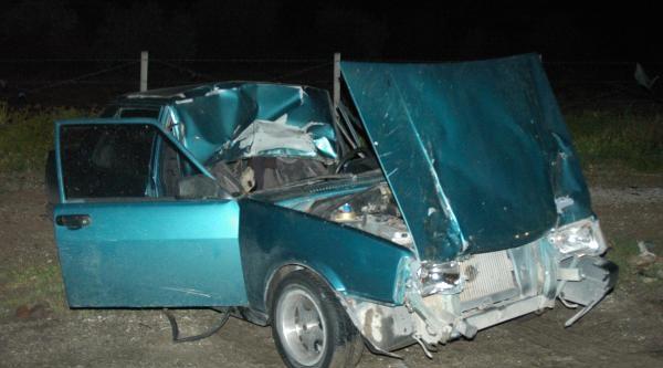 Otomobil İnek Sürüsüne Çarpti: 1 Yaralı