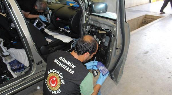Otomobil Tabanından 21 Kilo Eroin Çikti