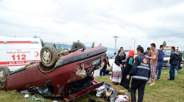 Otomobil Takla Attı: 3'ü Ağır 5 Yaralı