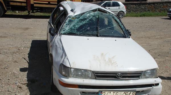 Otomobil Takla Attı, 5 Kişi Yaralandı