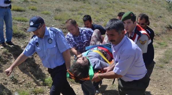 Otomobil Uçuruma Yuvarlandı: 1 Kişi Öldü, 4 Kişi Yaralandı