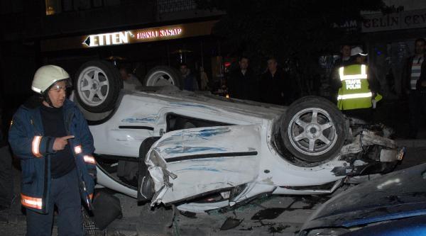 Otomobilden Fırlayan Teker Polislerin Bulunduğu Restorana Düştü