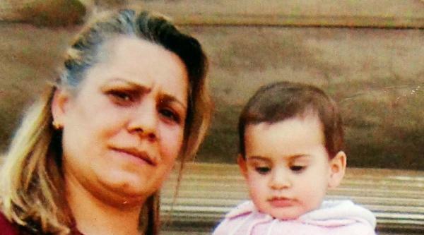 Otomobilin Çarptiği Anne Ve Kızı Öldü