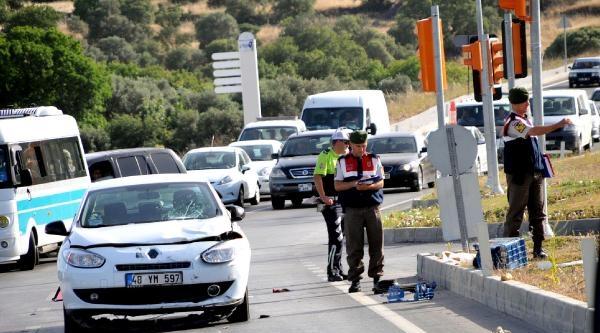 Otomobilin Çarptiği Atv Sürücüsü Öldü