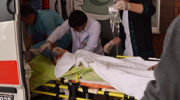Otomobilin Çarptiği Öğrenci Yaralandı