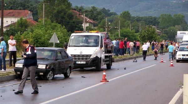 Otomobilin Çarptiği Oto Tamircisi Öldü