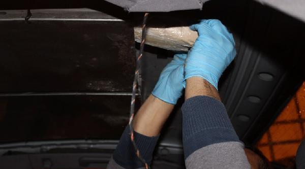 Otomobilin Tavanında 12 Kilo Eroin Ele Geçirildi