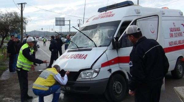 Otomobille Ambulans Çarpişti: Diyaliz Hastasi Öldü, 4 Kişi Yaralandi