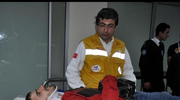 Otomobille Çarpişan Motosikletli Yaralandı