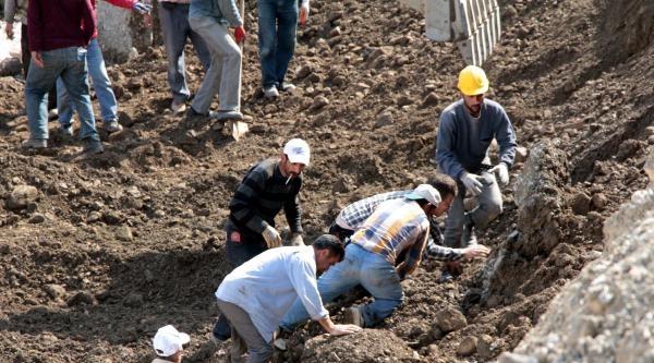 Otopark İnşaatinda Göçük: 1 Ölü,. 1 İşçi Kurtuldu (2) - Yeniden