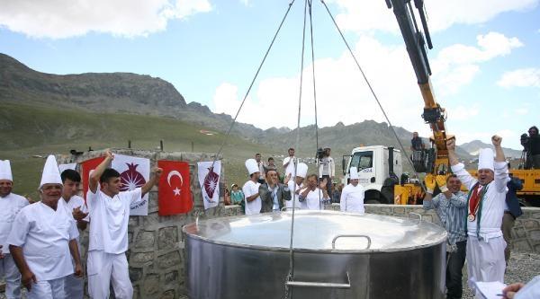 Ovit Yaylasında 1295 Kilo İle 'sütlaç Rekoru' Kırıldı