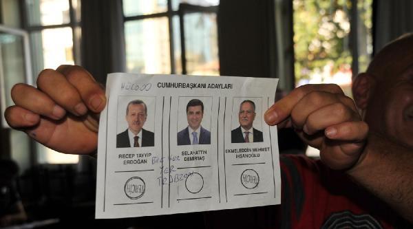 Oy Pusulasında, 'hülooo, Bize Her Yer Trabzon' Yazısı