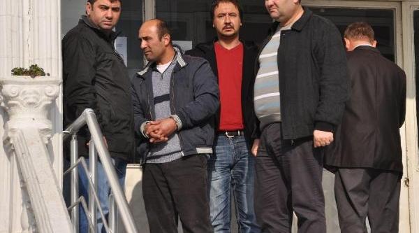 Öz Kizina Tecavüzden Tutuklandi